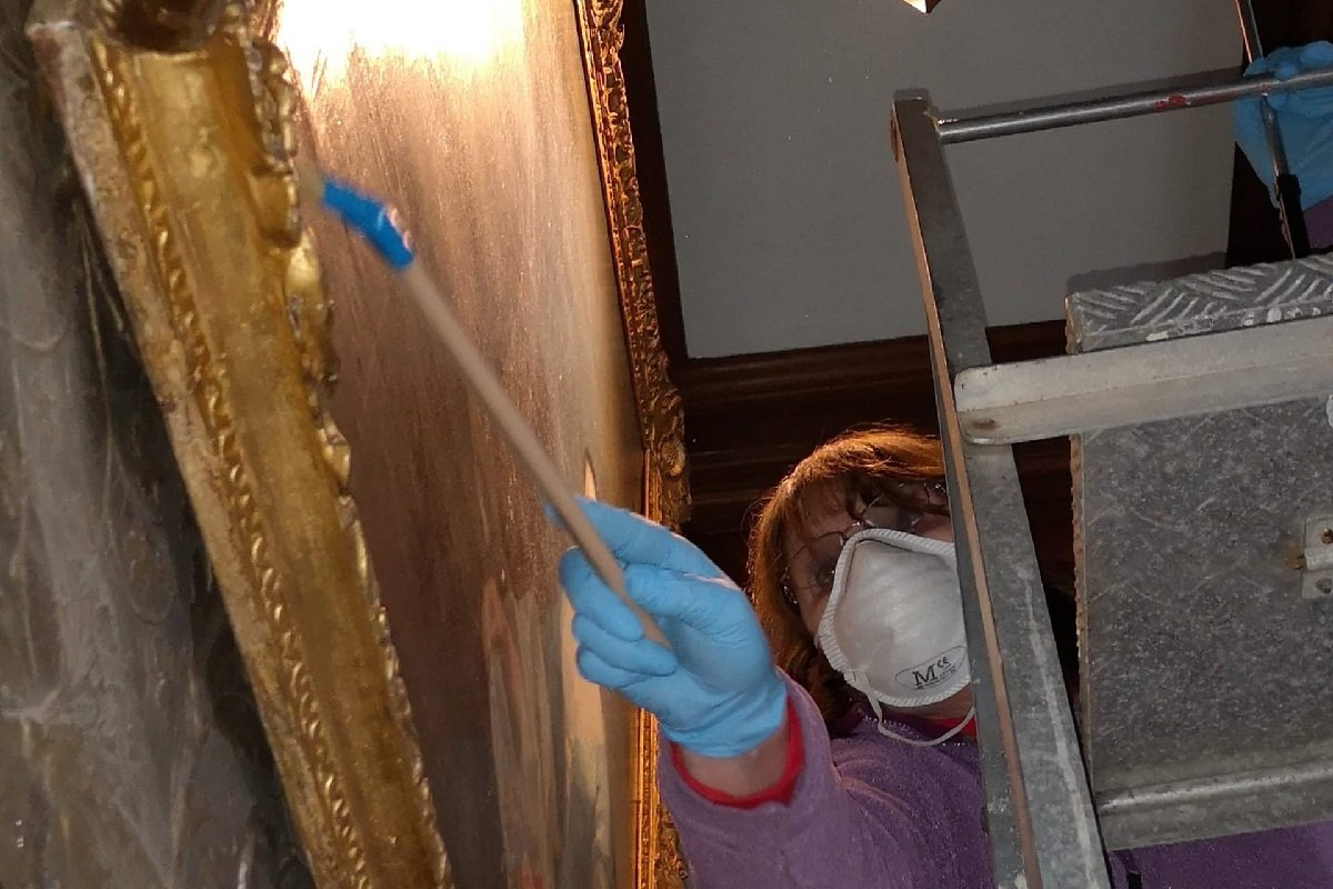 conservation work on the castle paintings